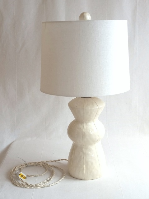 Large round finial, white on Chocko lamp